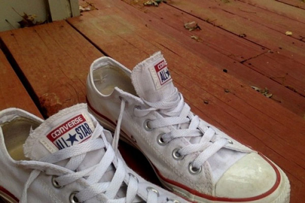 How To Clean Yellow Stains On White Shoes