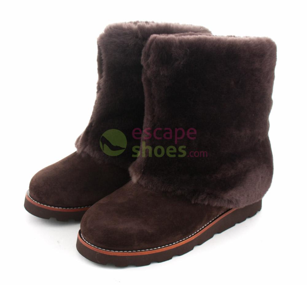 e018a386667 Boots UGG Australia Maylin Chocolate 3220