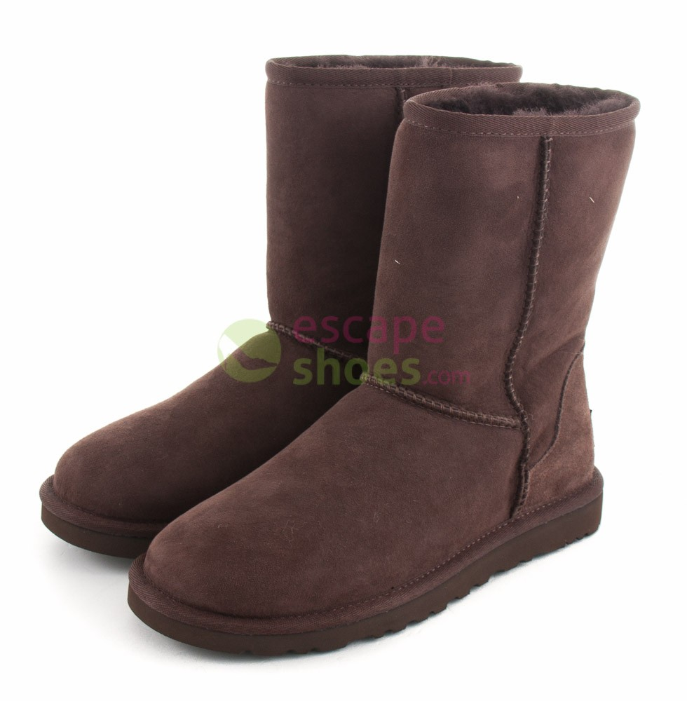 1b8e58359c0 Boots UGG Classic Short Chocolate 5825