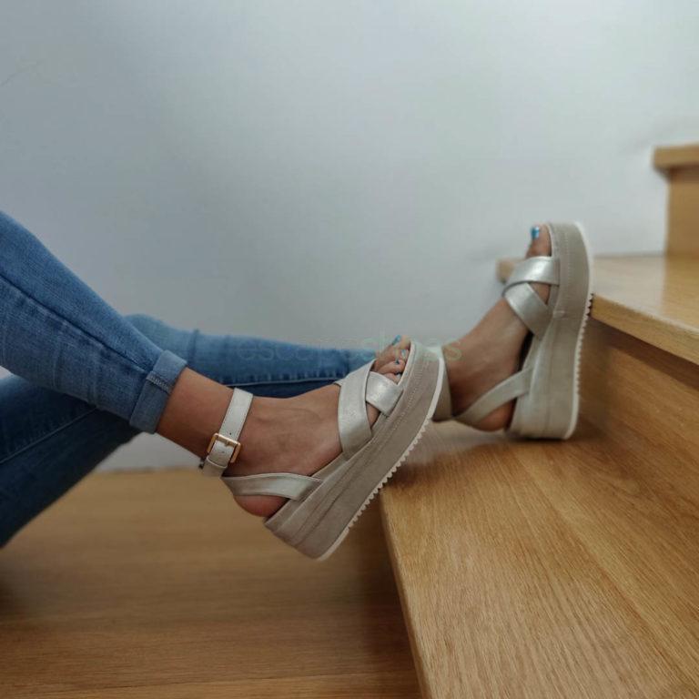 Sandálias FRANCESCOMILANO Metalizado Dourado