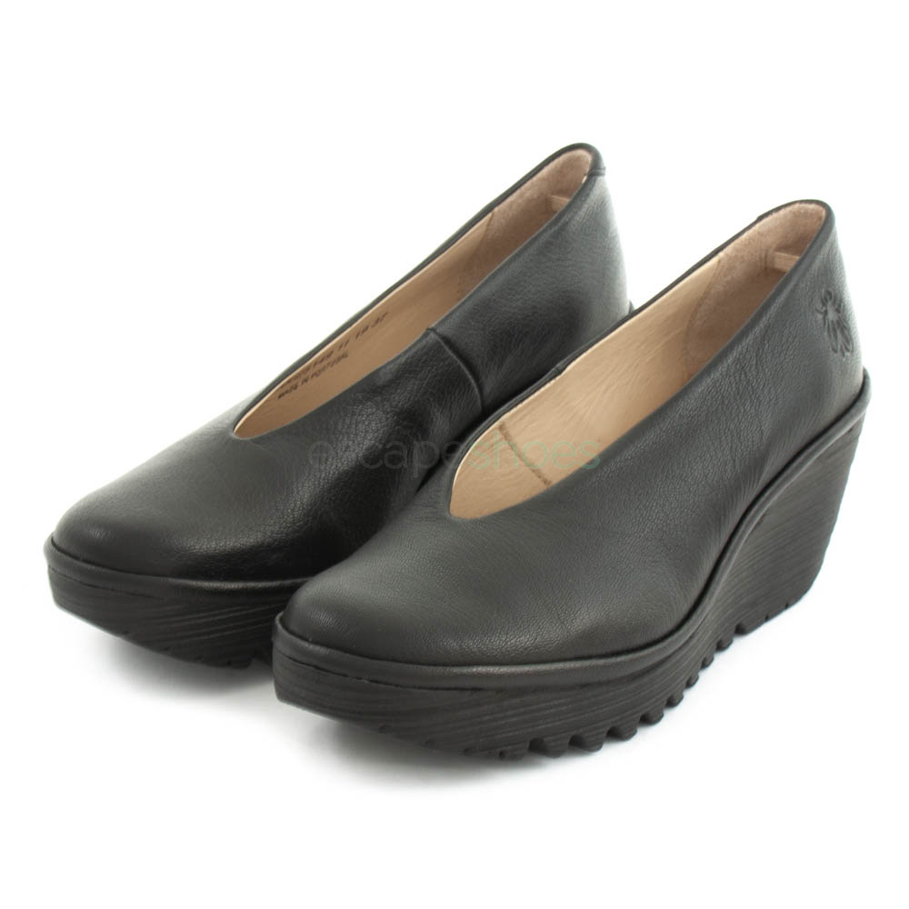 Good Feeling Fly London Black Black Wedge Heeled Shoes Yaz
