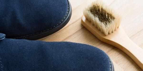 Limpar sapatos camurça