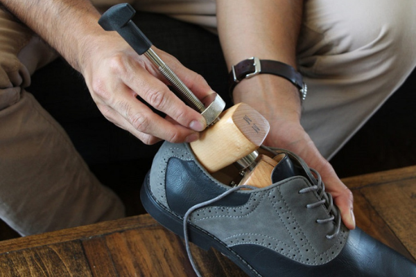 alargar sapatos pele