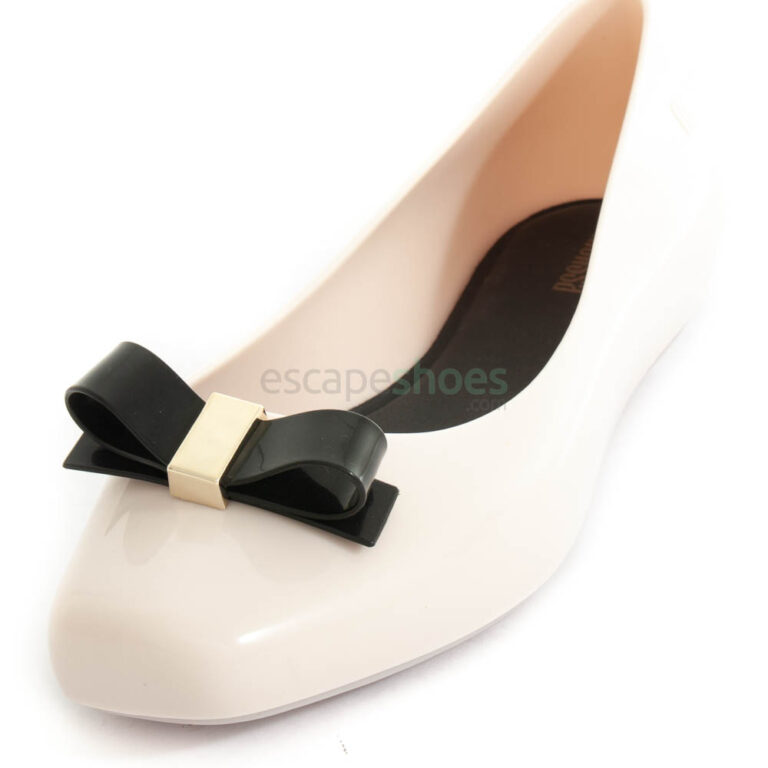Flat Shoes MELISSA Aura Beige Black MW.20.140B