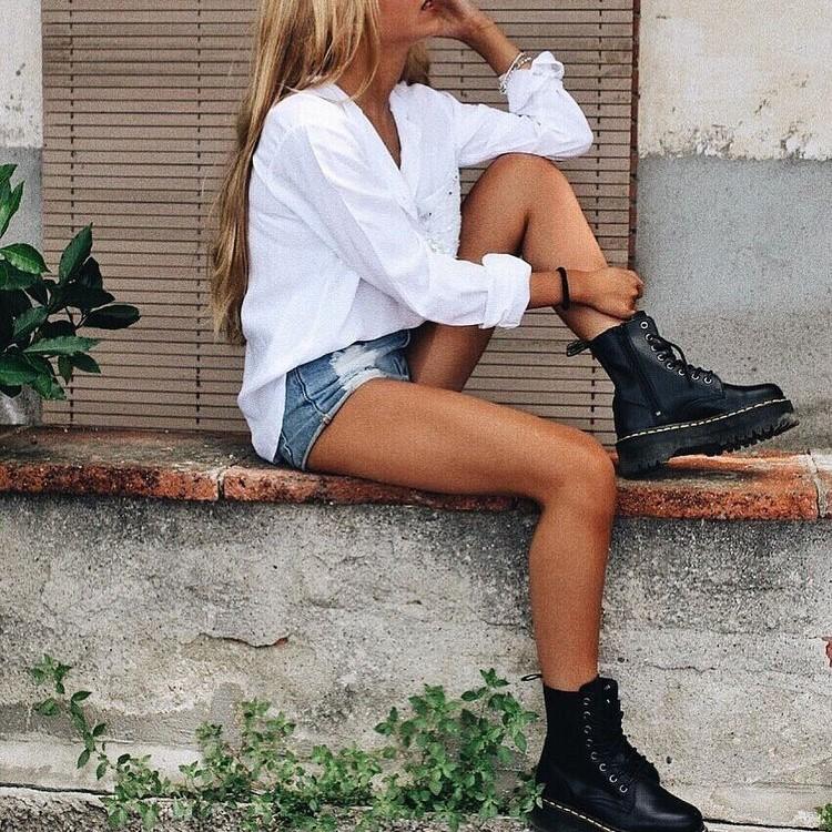 calçado estilo militar